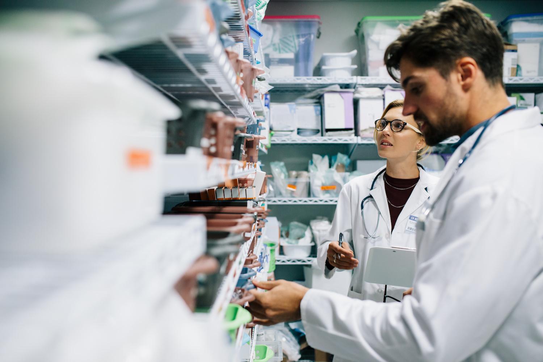 pharmacist-working